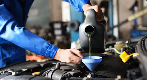 Jaguar Engine Oil Filling