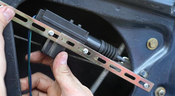 BMW Door Lock Servicing